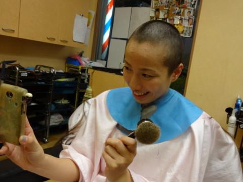 女性丸刈り女性坊主ラインアート (13)